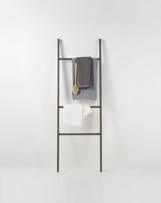 Toallero STAIRS diseñado por Benedini Associati