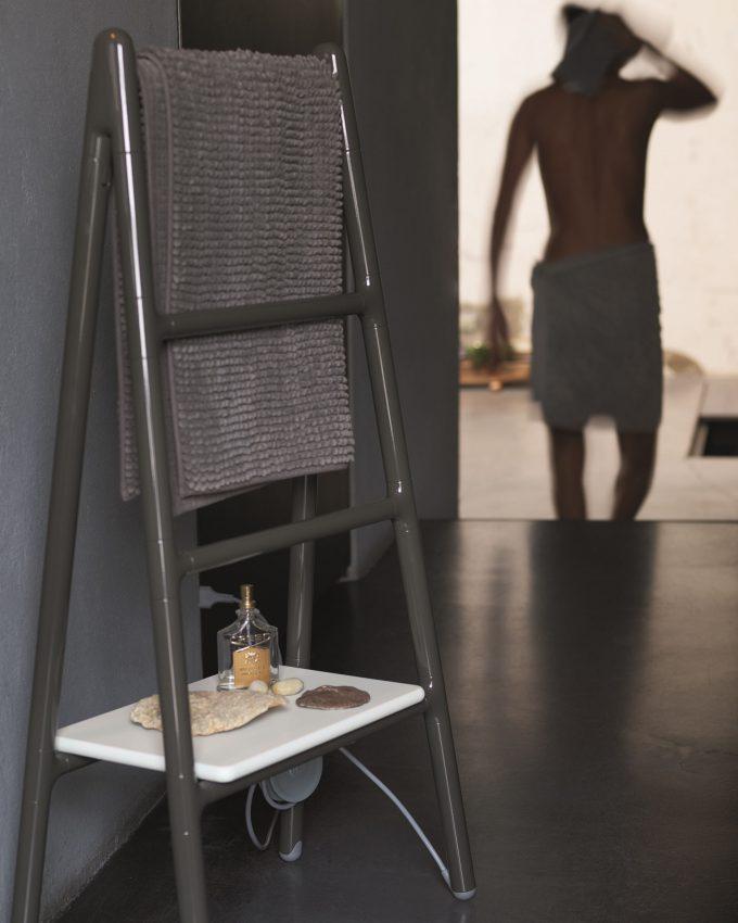 Radiador de pared eléctrico free-standing Scaletta by Tubes Radiatori.